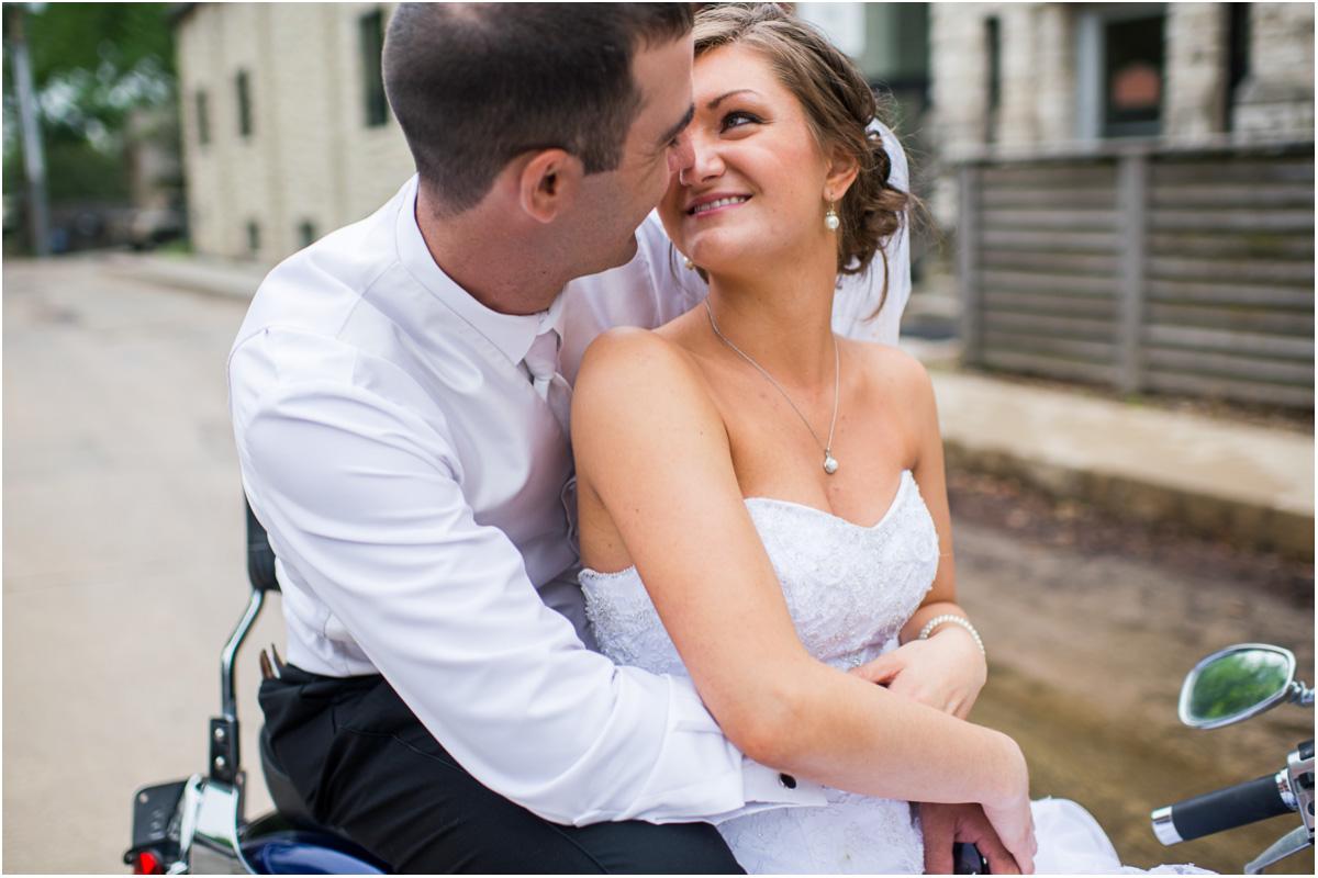 Almost Rainy Kansas Wedding | Seattle Wedding Photographers