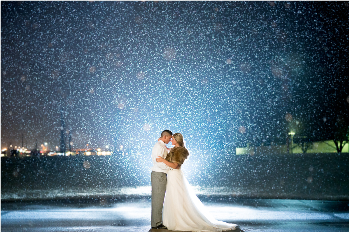 adventurous bride and groom photos in snow Seattle Wedding Photographers Salt and Pine Photography