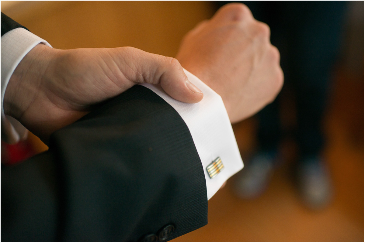 groom-cuff-links