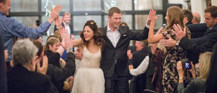 Seattle Wedding on the Skansonia | Seattle Wedding Photographers