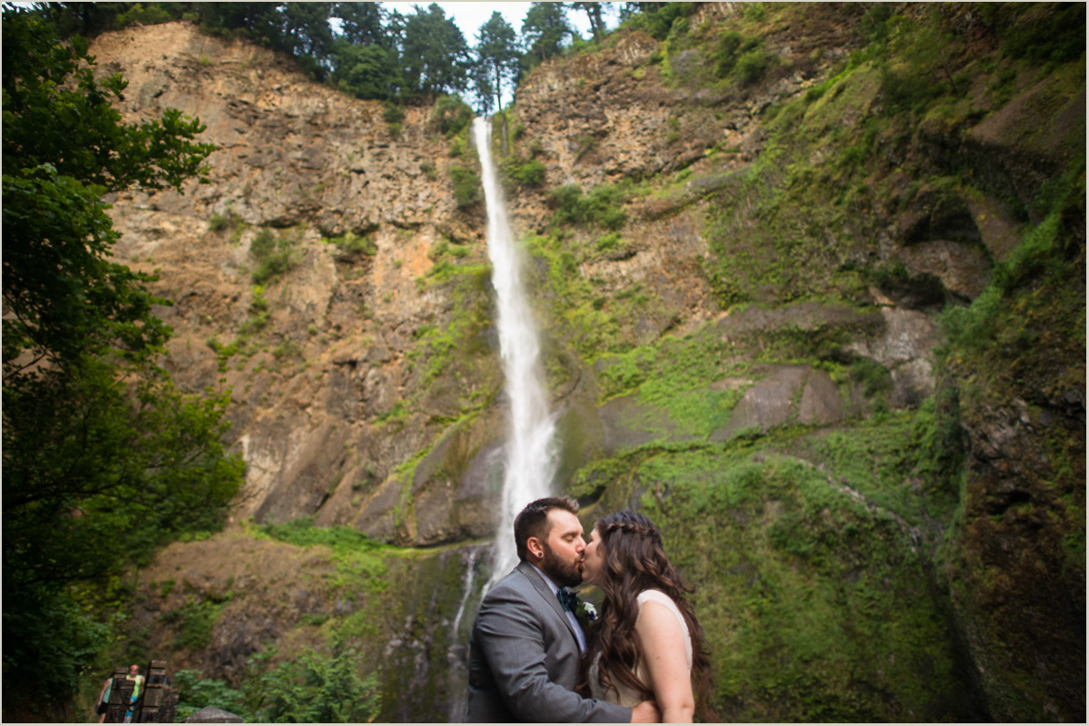 Multnomah Falls Wedding Washington And Oregon Photographers