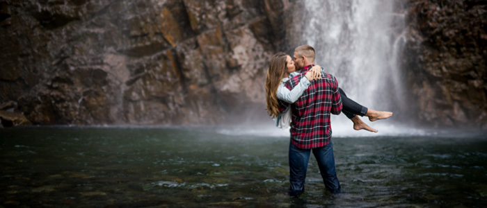 Franklin Falls Engagement Photos | Seattle Wedding Photographers