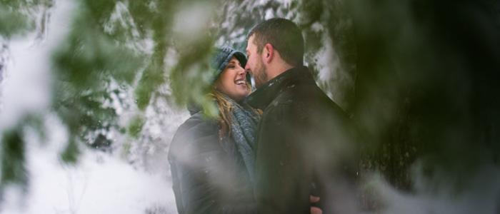 Winter Engagement Photos at Alpental | Seattle Wedding Photographers