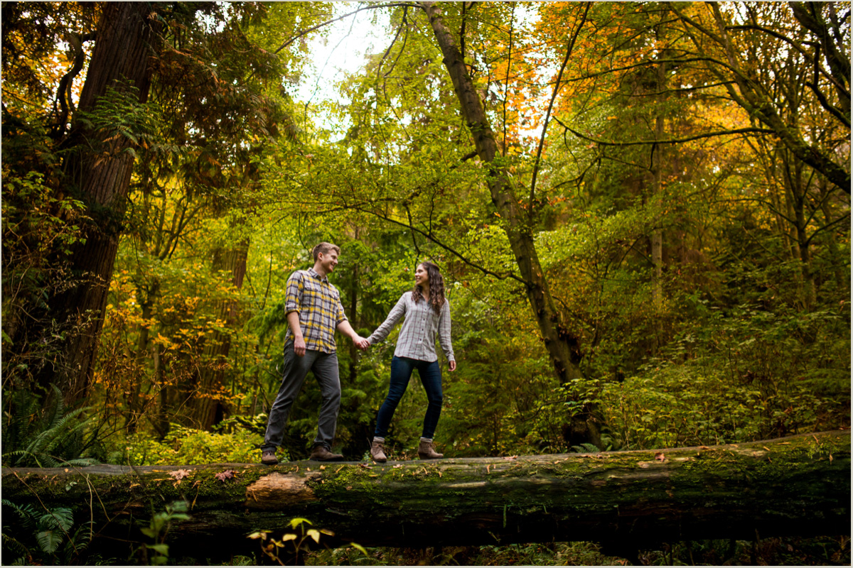 Best Parks for Fall Engagement Photos in Seattle