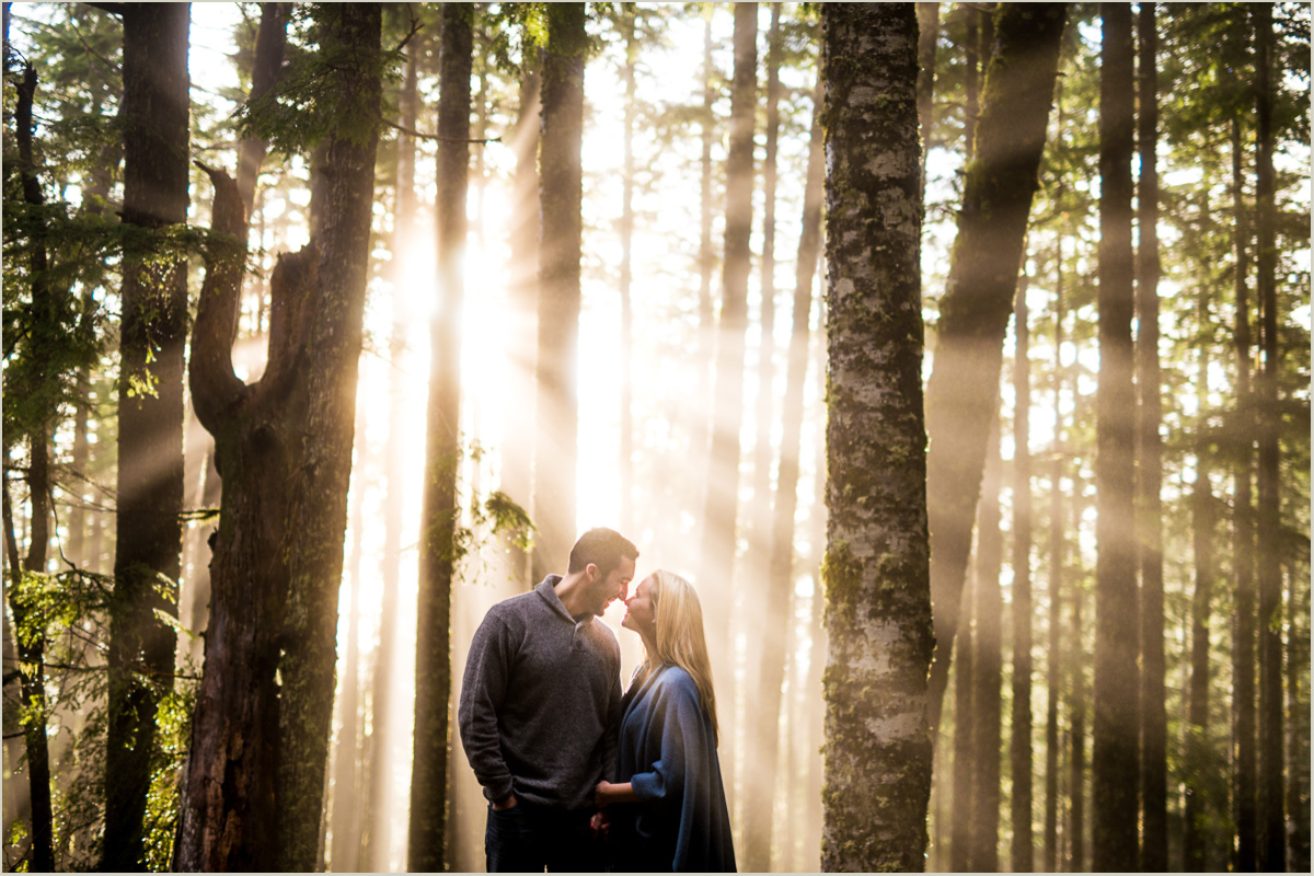 Foggy engagement photos in the Pacific North West