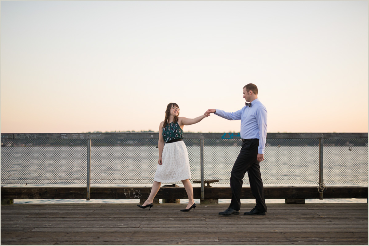 Engagement Photos on the Seattle Waterfront