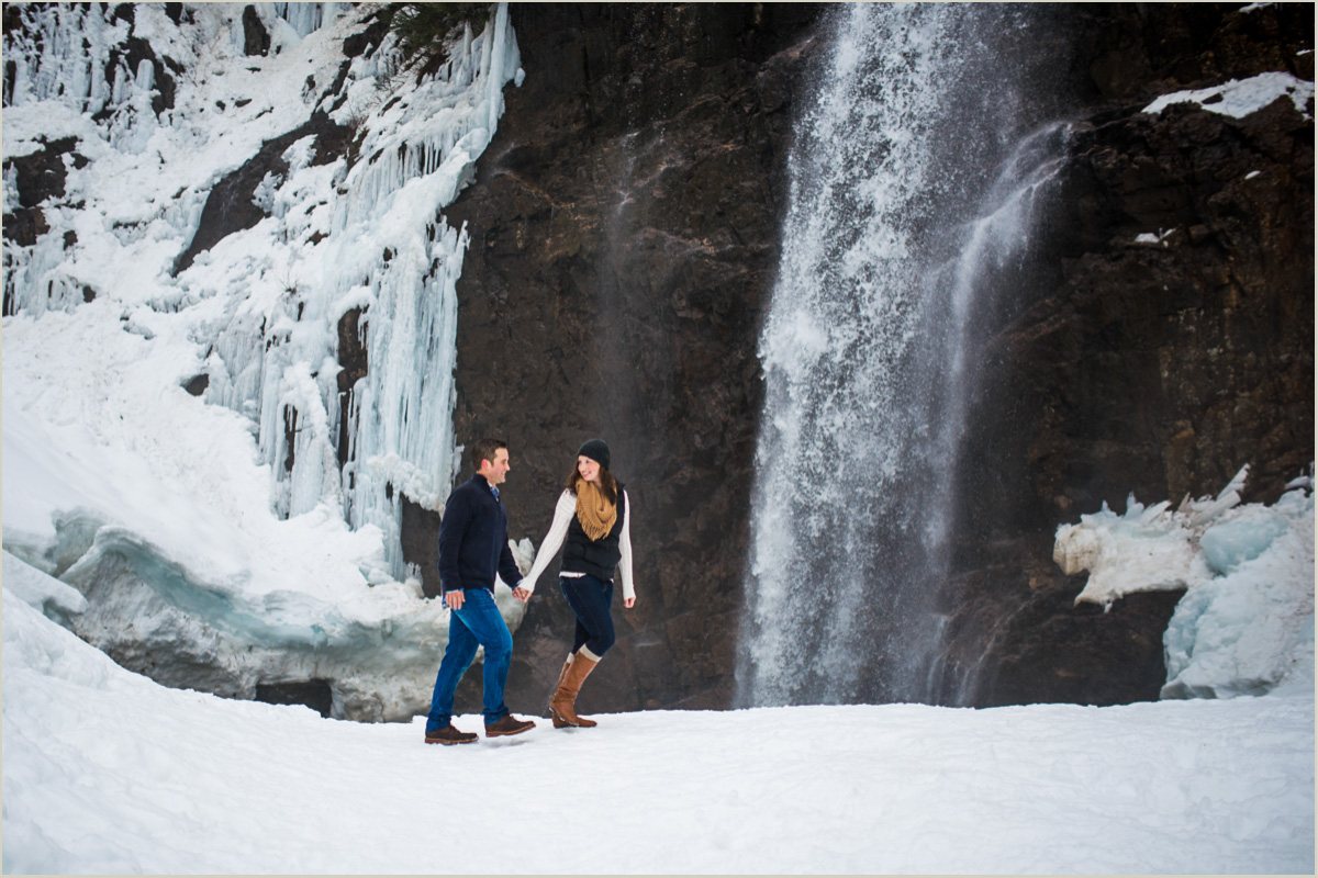 Adventurous PNW Engagement Photos
