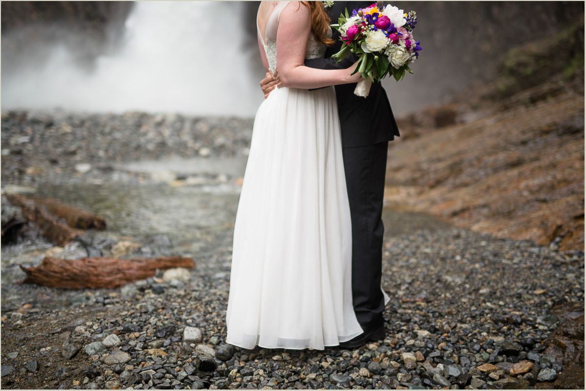 Waterfalls to get Married at in Washington