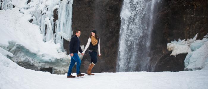 Winter Waterfall Hike Engagement Photos | Seattle Wedding Photographers