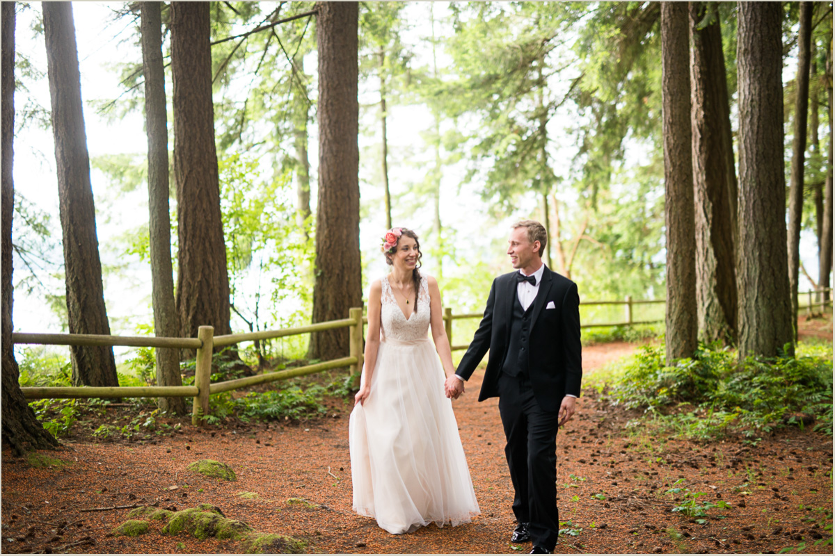 Wedding at Kitsap Memorial State Park in Poulsbo