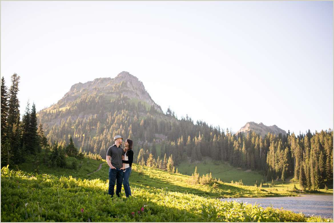 adventure-engagement-sessions-in-washington