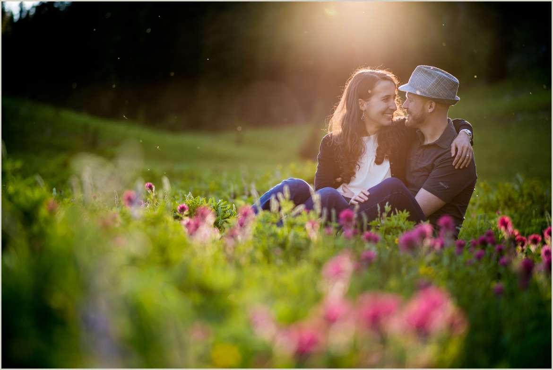 engagement-photos-during-wildflower-season-in-washington