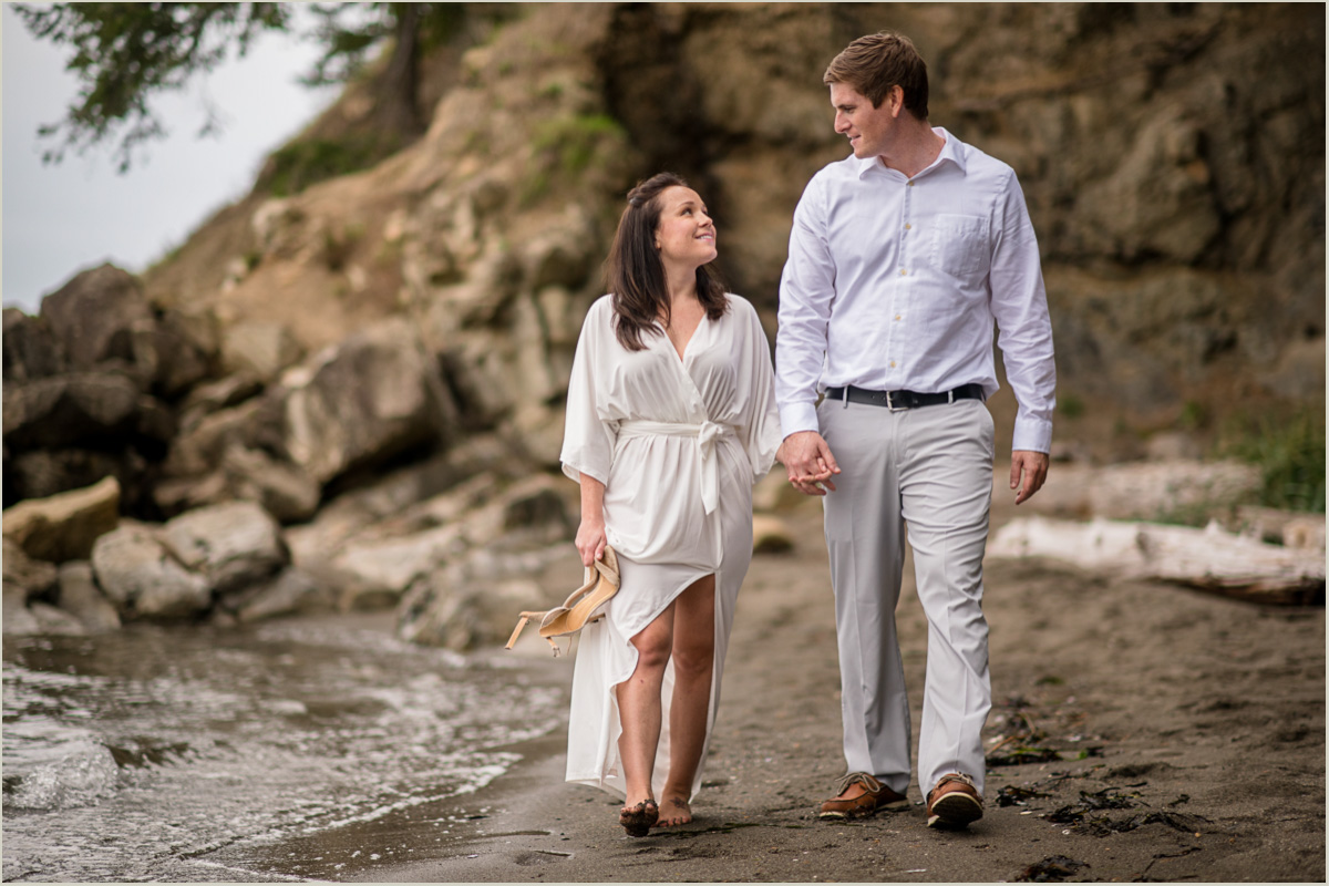 fall-engagement-photos-on-chuckanut-drive