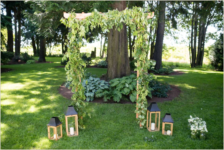 greenery-wedding-arch-by-bloom-san-juan