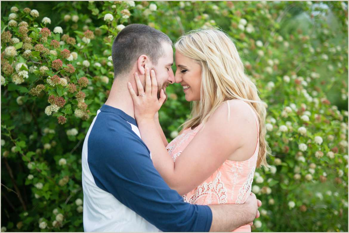 spring-engagement-photos-in-kitsap-county