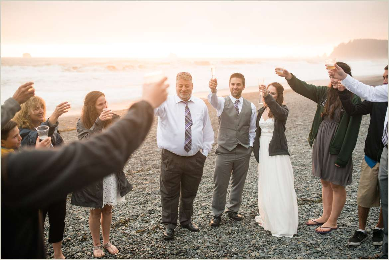sunset-wedding-on-rialto-beach
