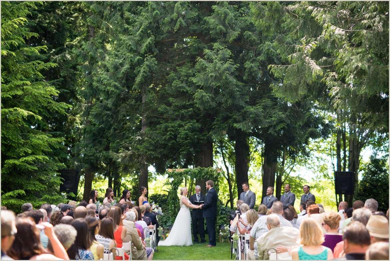 wedding-ceremony-at-evergreen-gardens