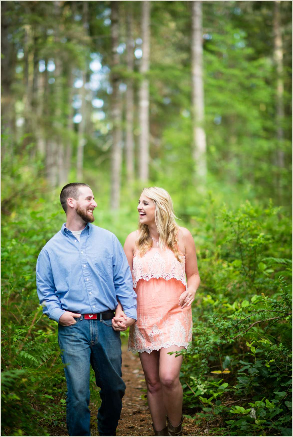 woodsy-engagement-photos