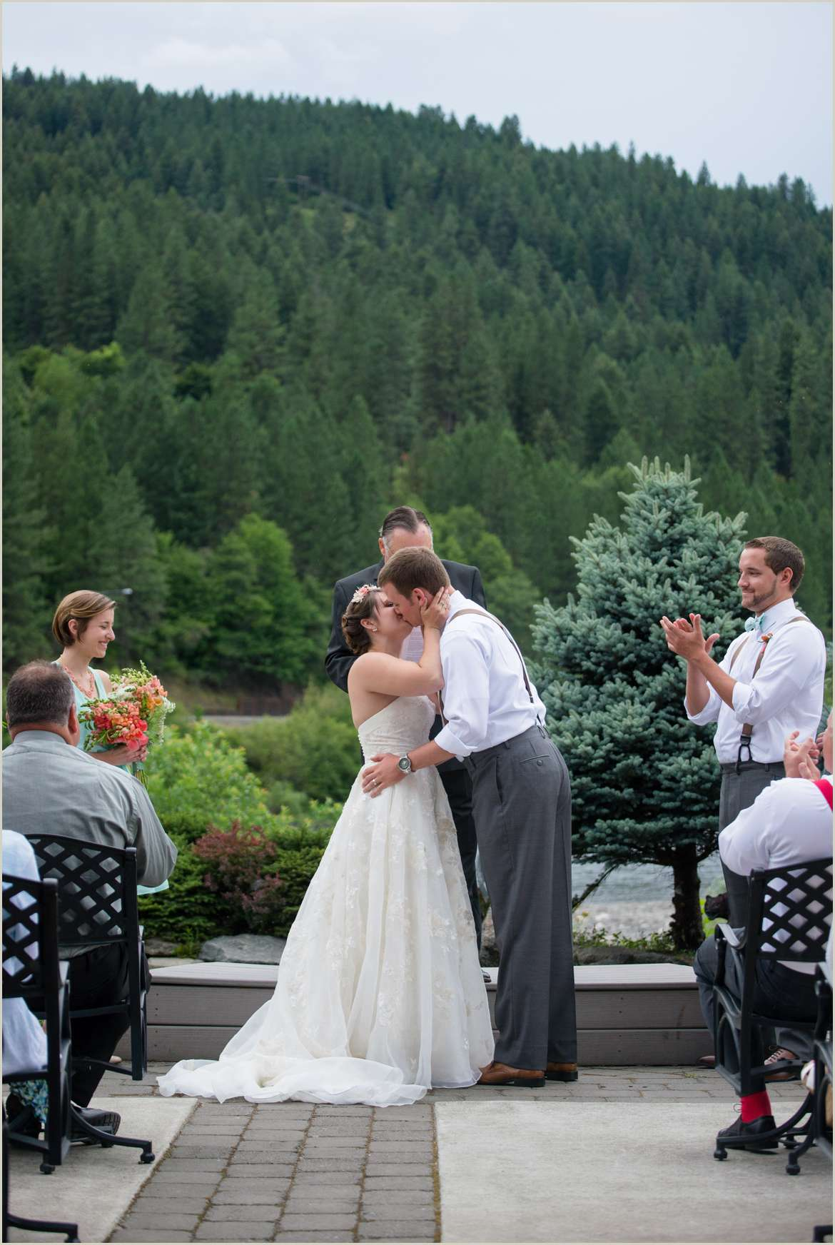 bride-and-groom-get-married-at-the-lodge-at-rivers-edge