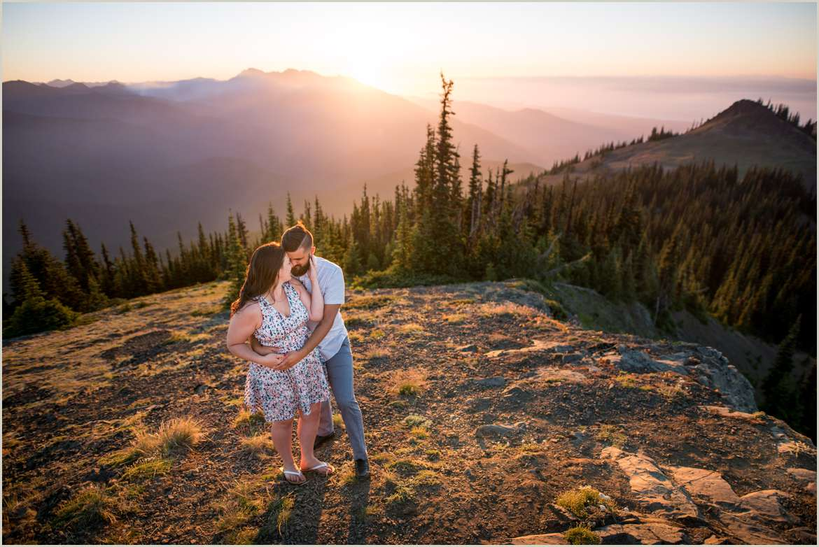 engagement-photos-on-top-of-mountains-in-washington