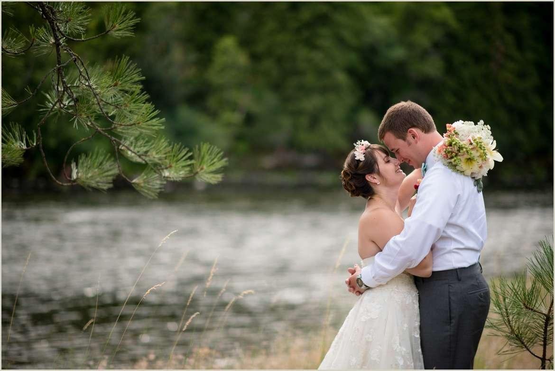 idaho-forest-wedding-on-a-river