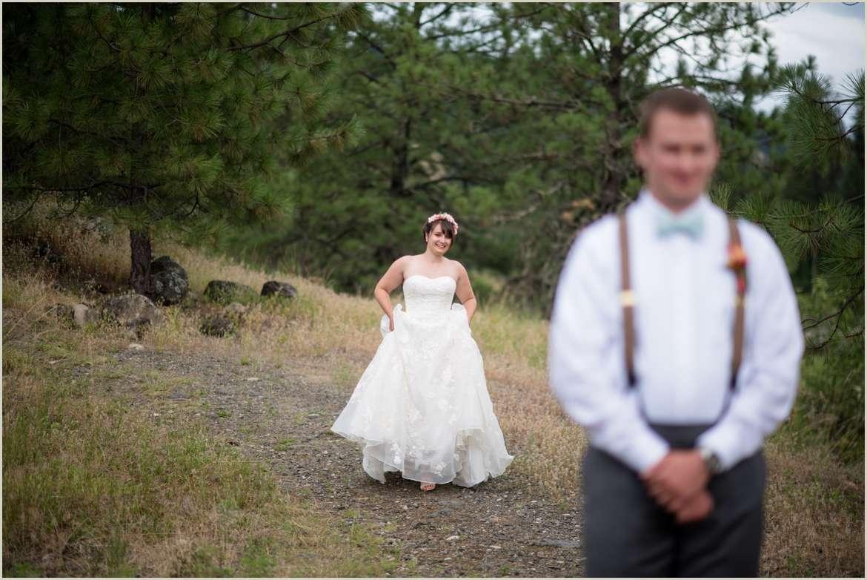 northern-idaho-wedding-first-look