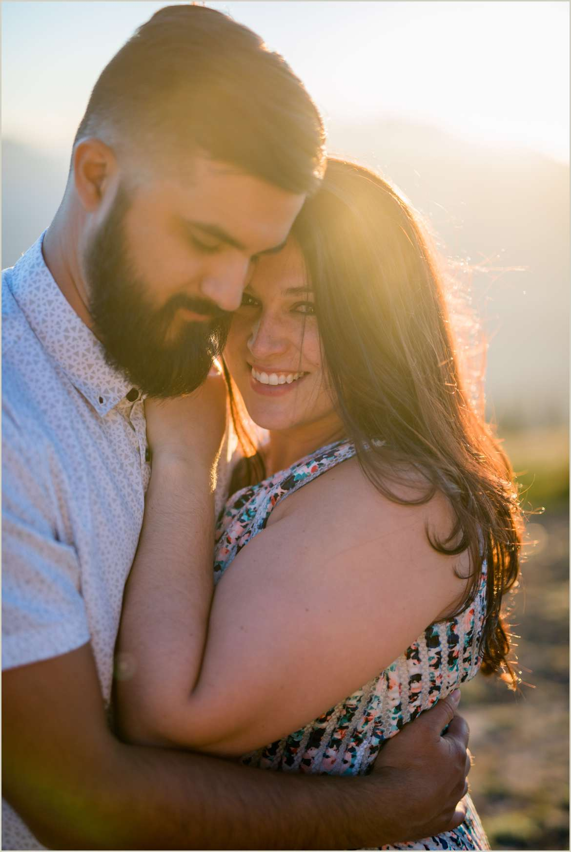 romantic-engagement-photos-with-dreamy-light
