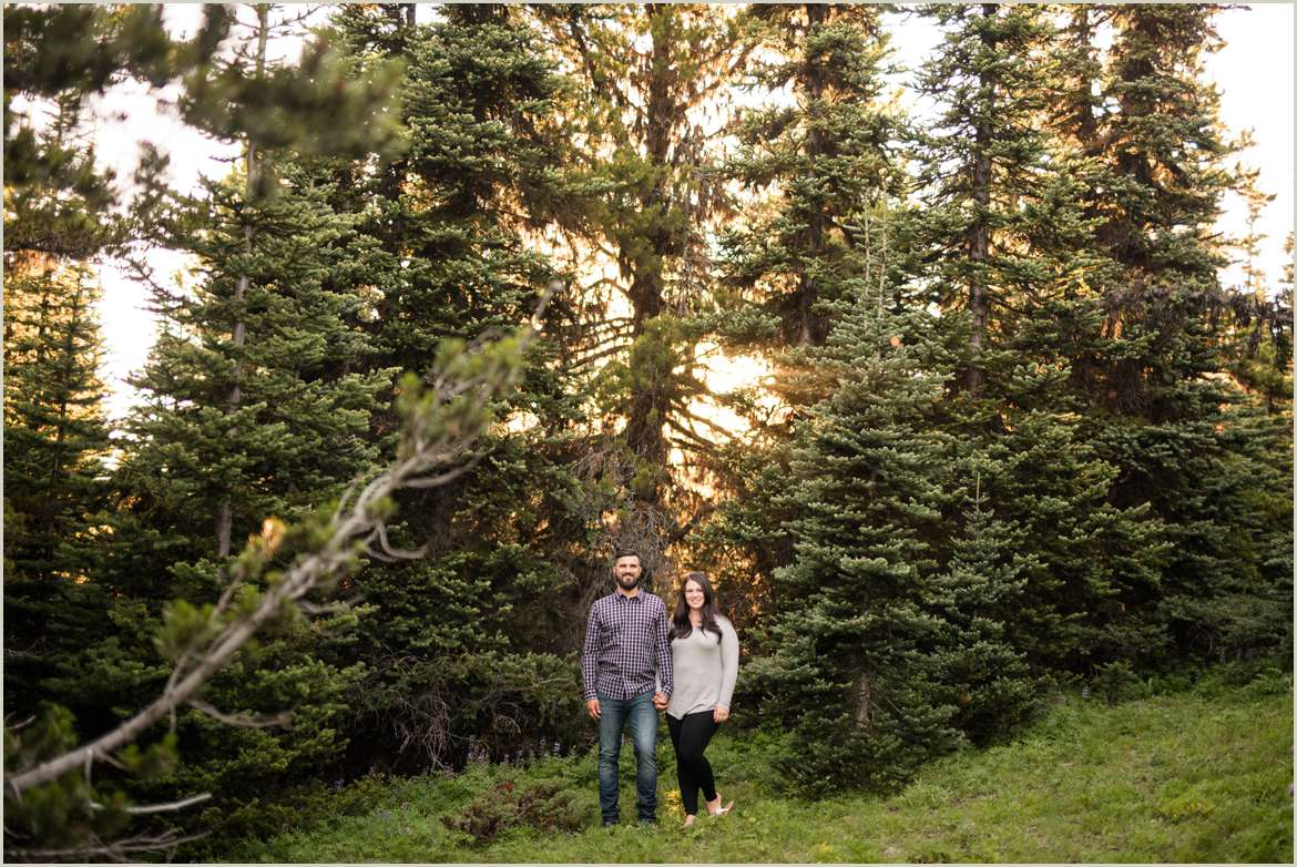 woodsy-engagement-photos-for-adventurous-couples