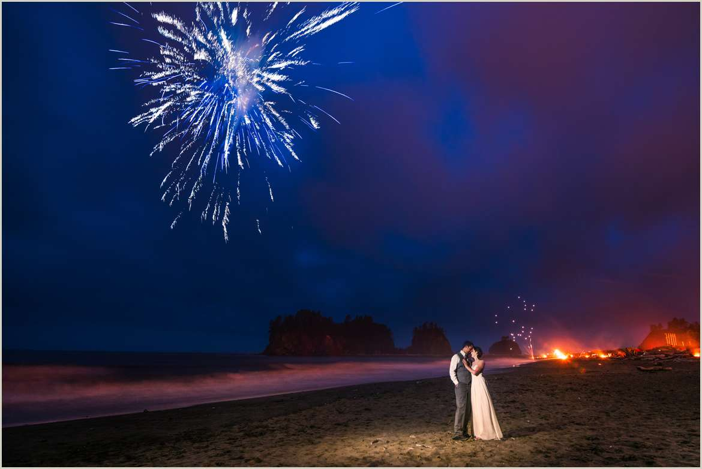 wedding photos with fireworks