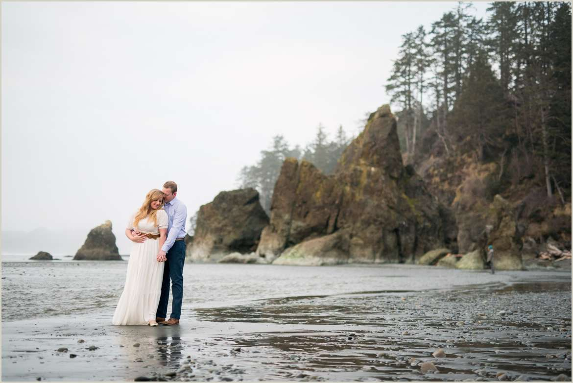 cloudy pacific north west beach engagement photos
