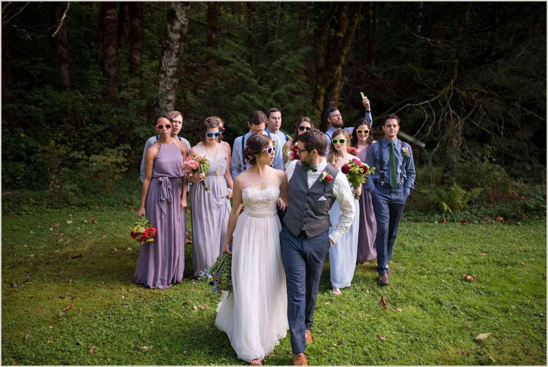 fun wedding party photos with sunglasses