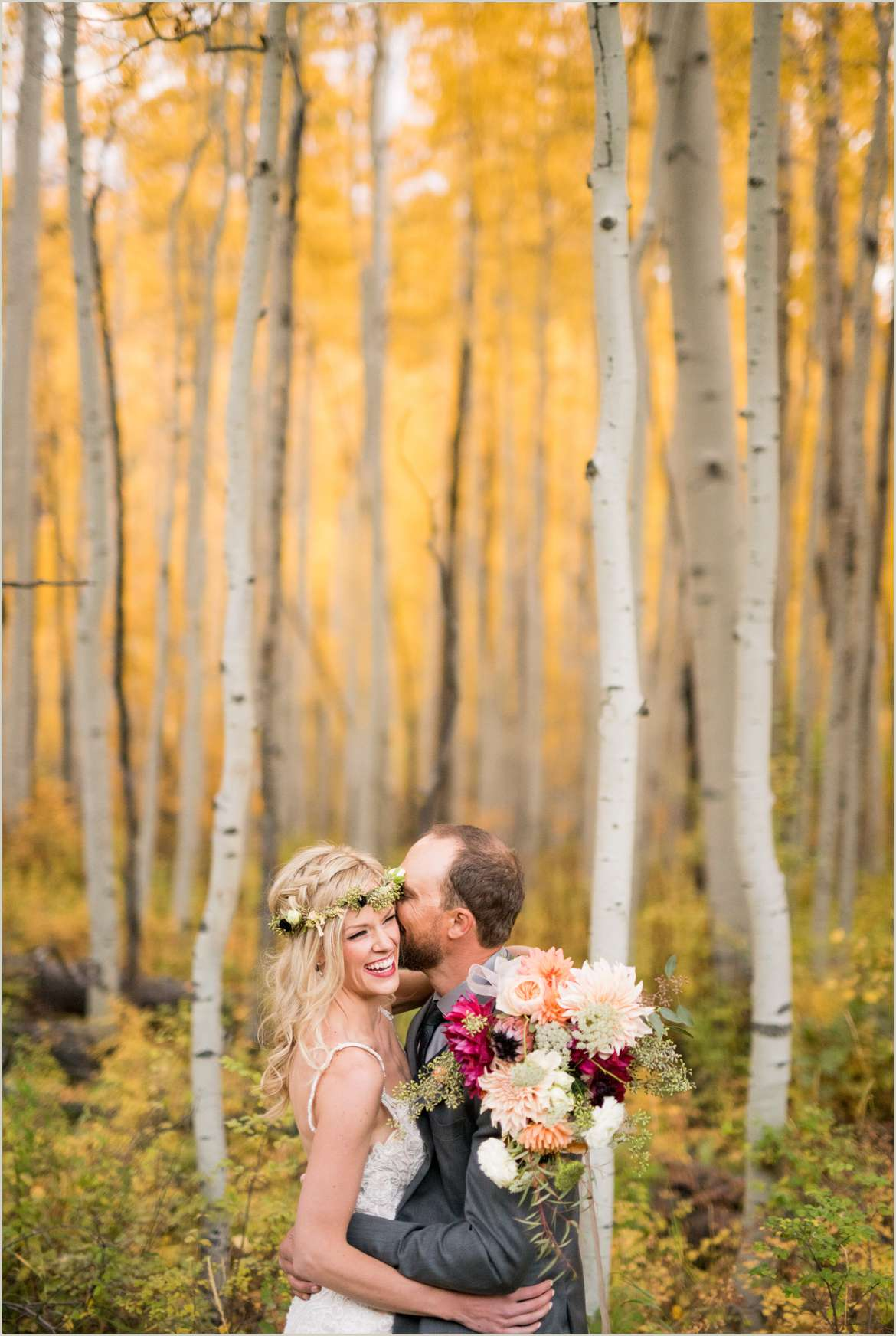 wedding photos in aspens in peak fall
