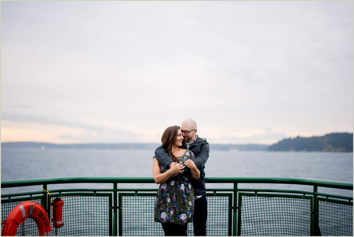 engagement session on a ferry ride from seattle