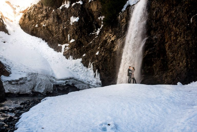 Winter Franklin Falls Engagement Photos | Seattle Wedding Photographers