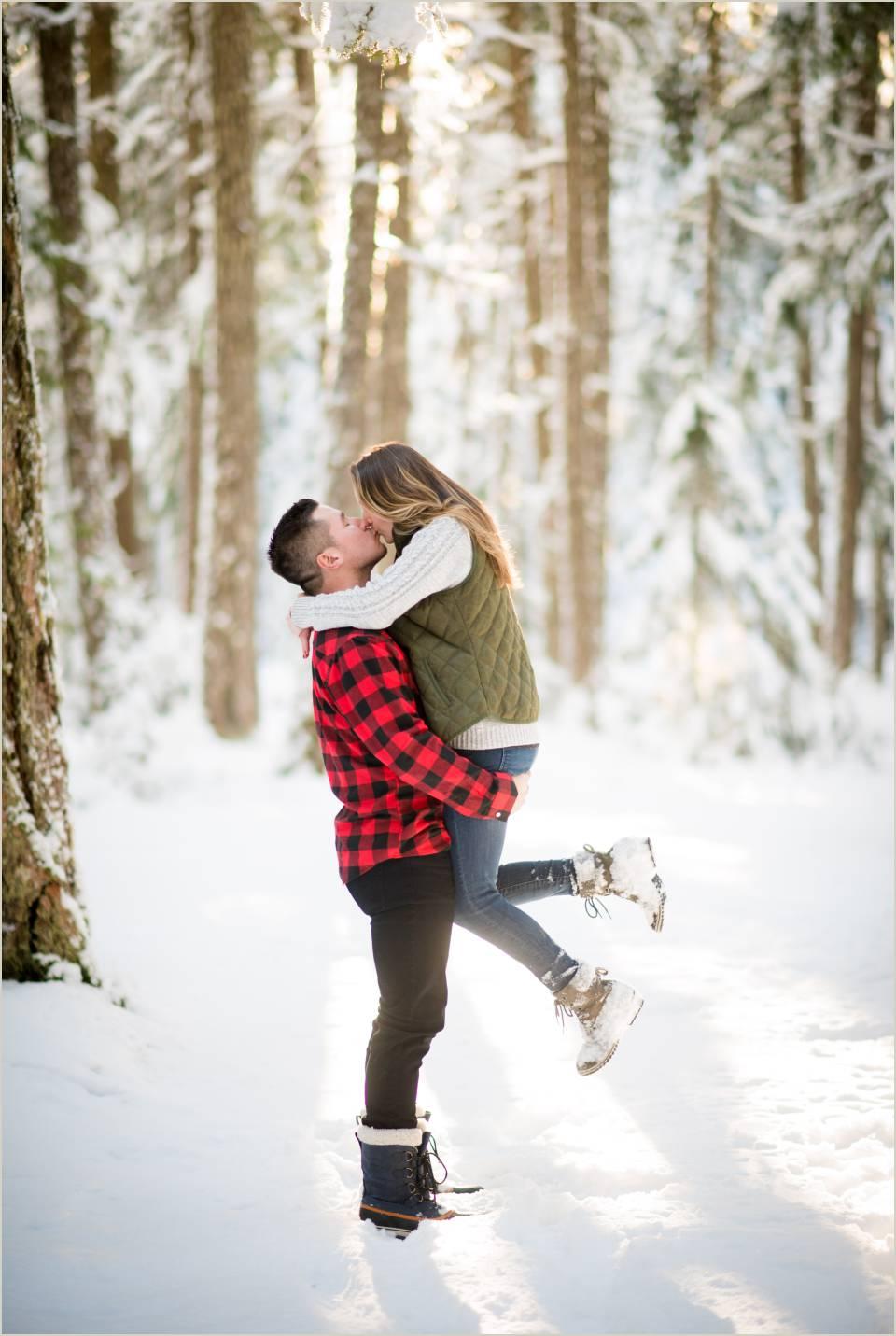 couple love winter wonderland