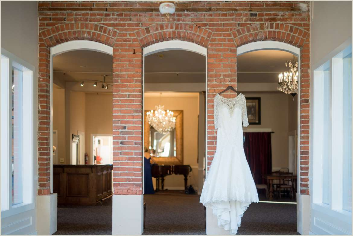 dress hanging in hollywood schoolhouse venue 1