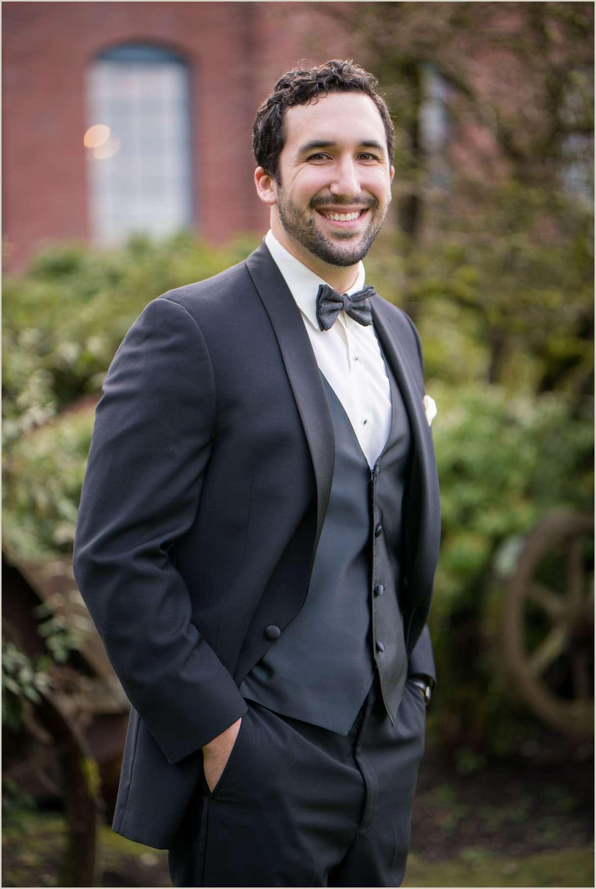 groom portrait 1