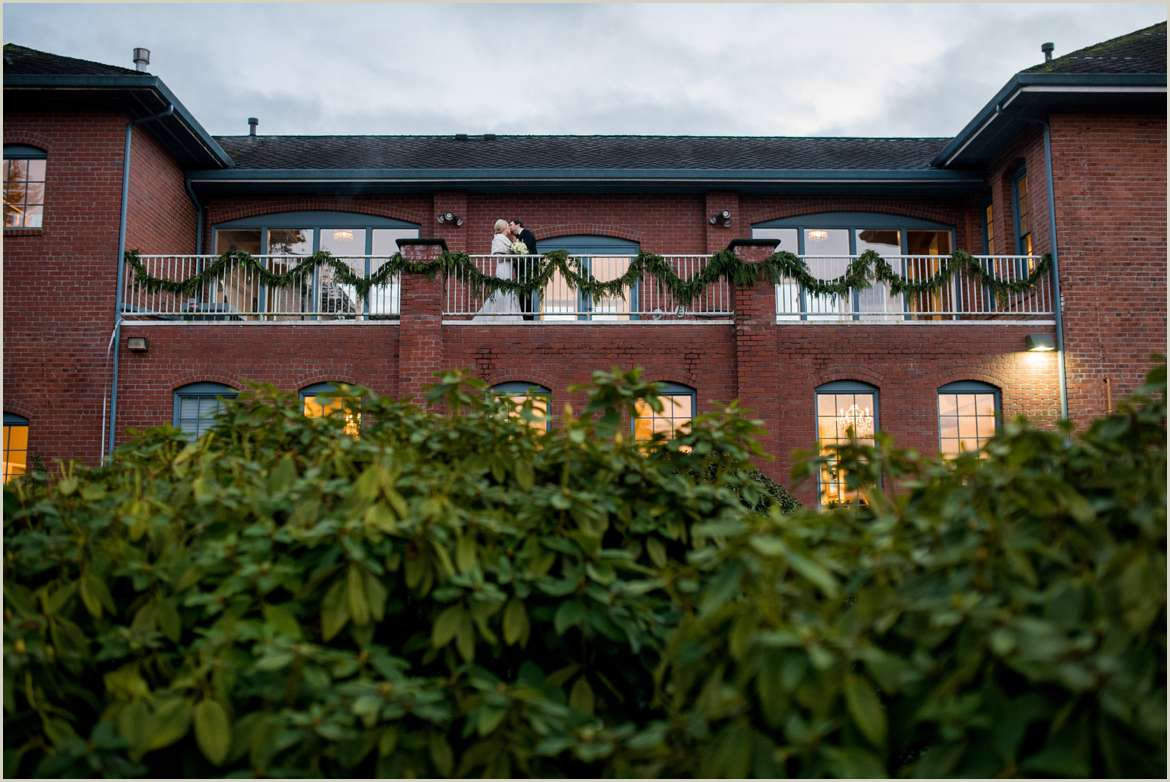 hollywood schoolhouse woodinville wedding venue decorated for christmas 1