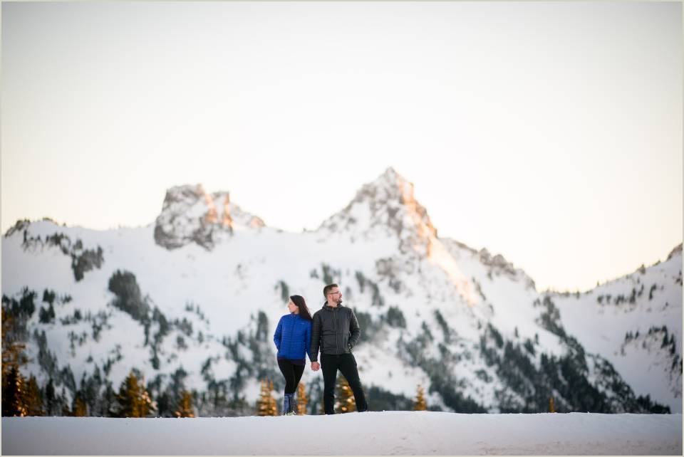 mountain engagement photos in washington