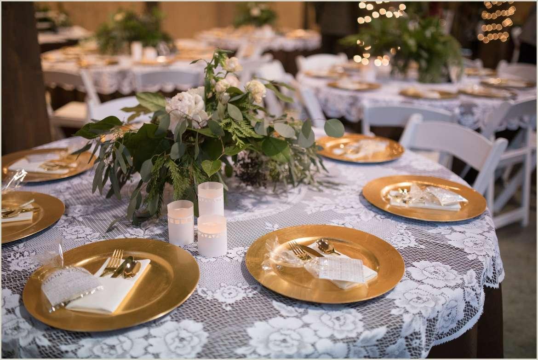 romantic holiday wedding in a barn