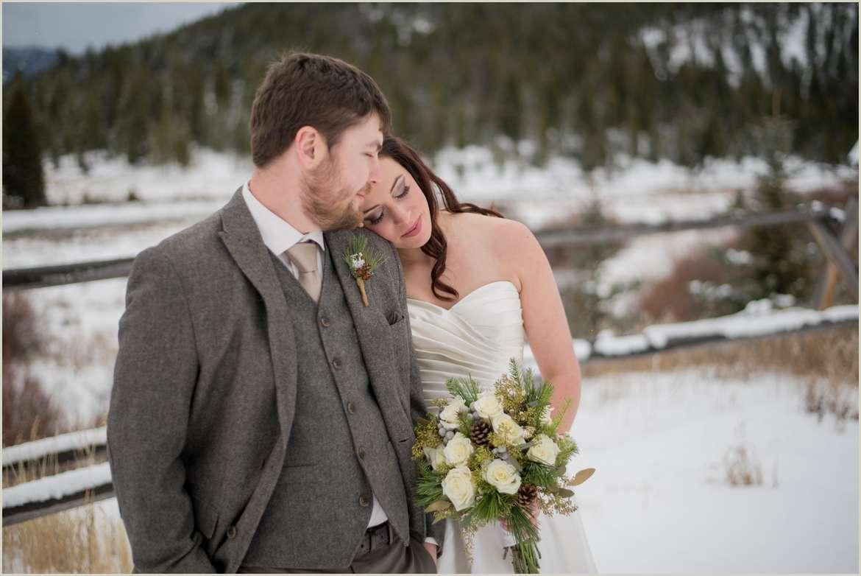 rustic winter wedding in montana