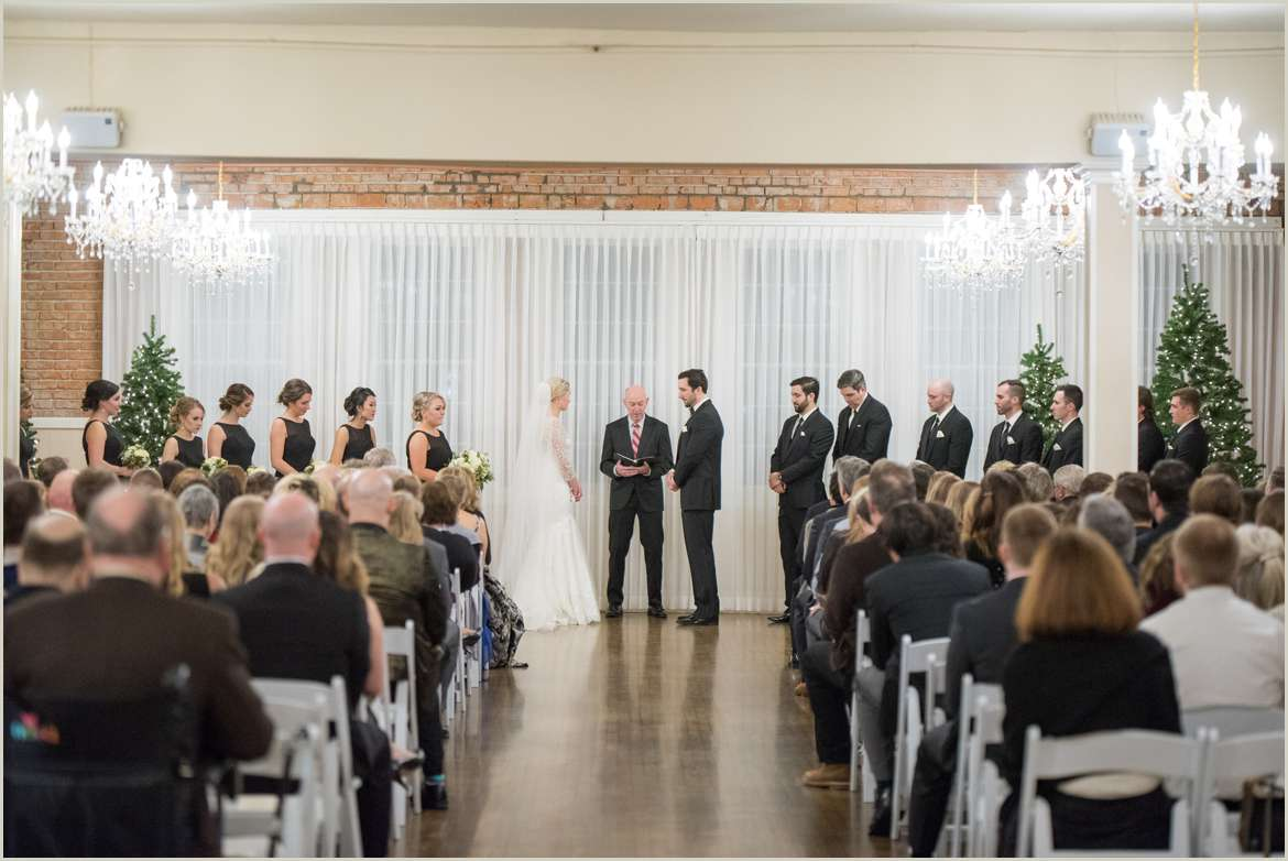 winter wedding photos in woodinville 1