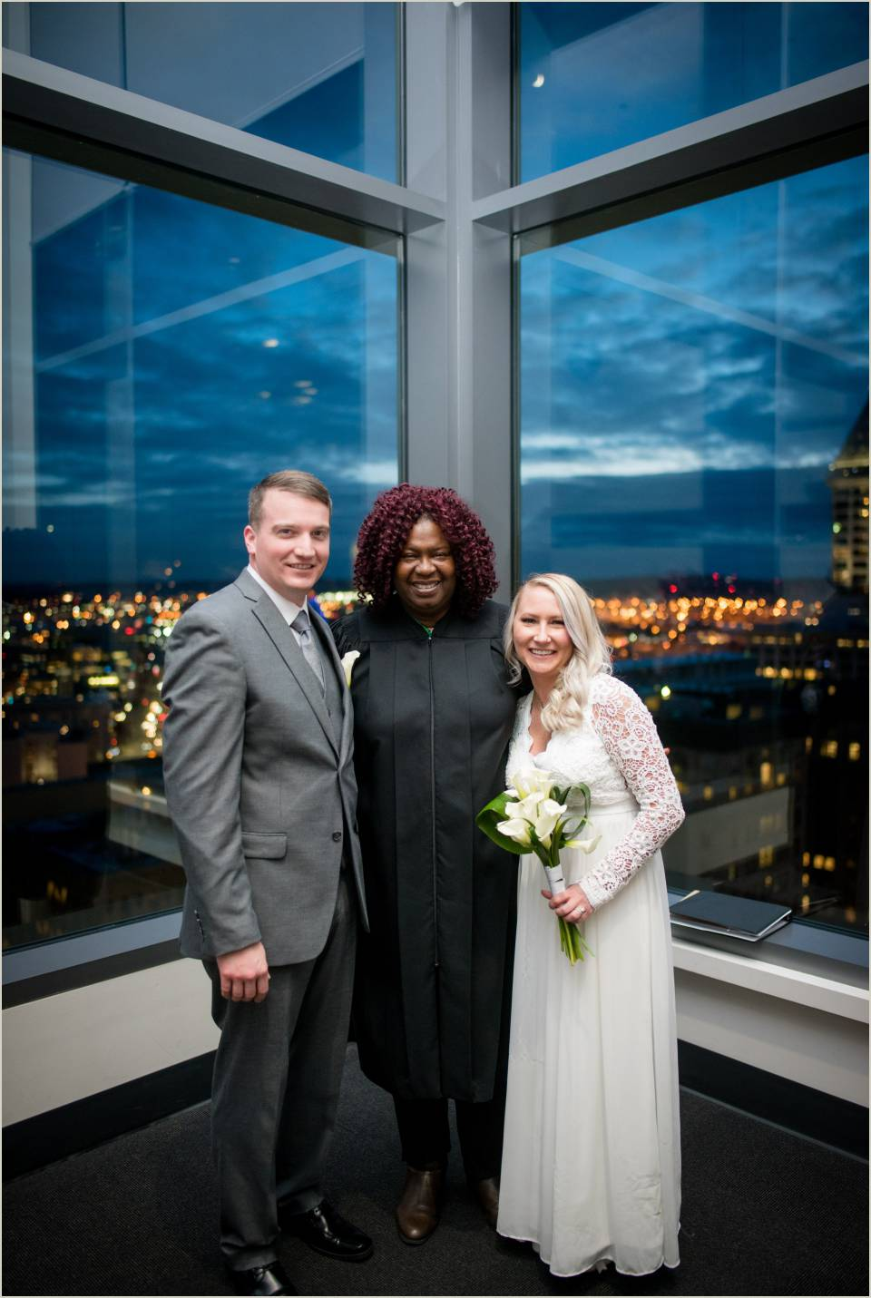 bride groom officiant downtown seattle courthouse wedding
