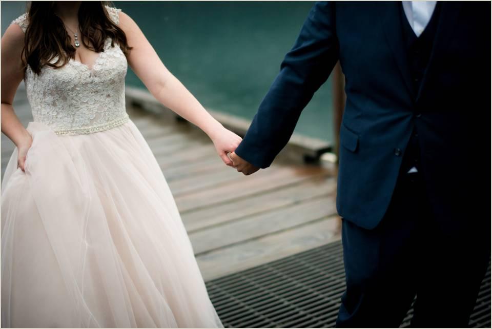 detail photo of couple walking 1