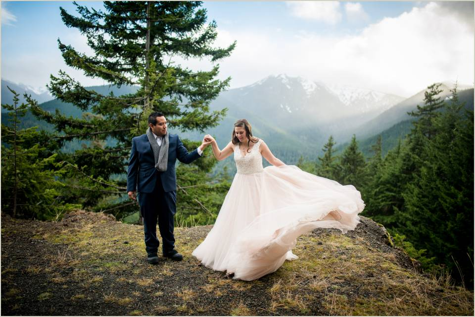 fun mountain wedding photos 1