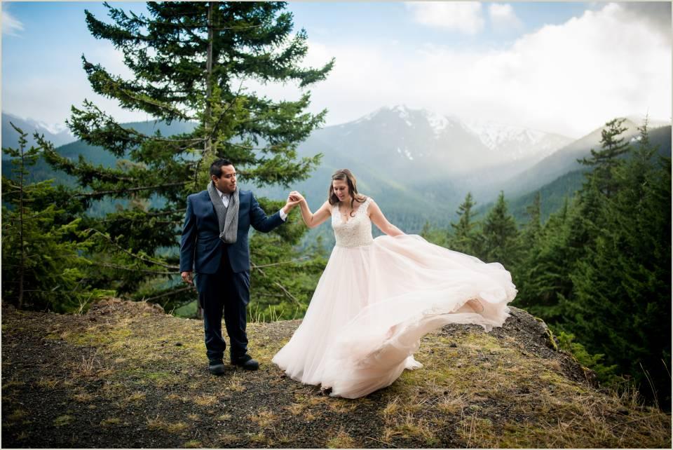 fun mountain wedding photos 1