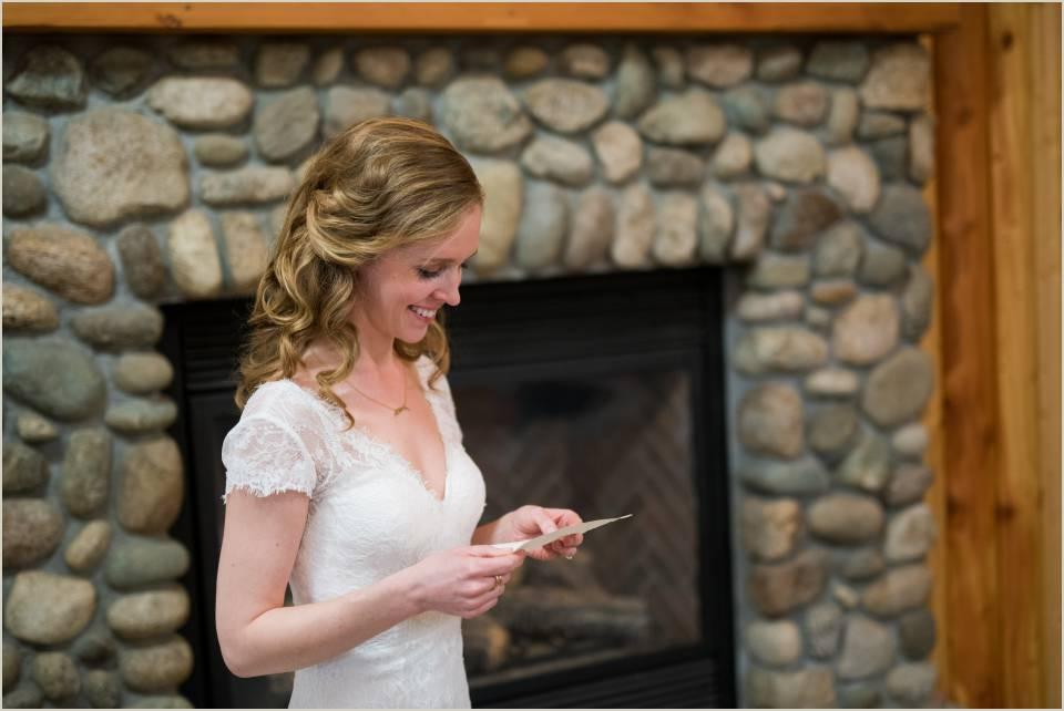 laidback bride in cabin