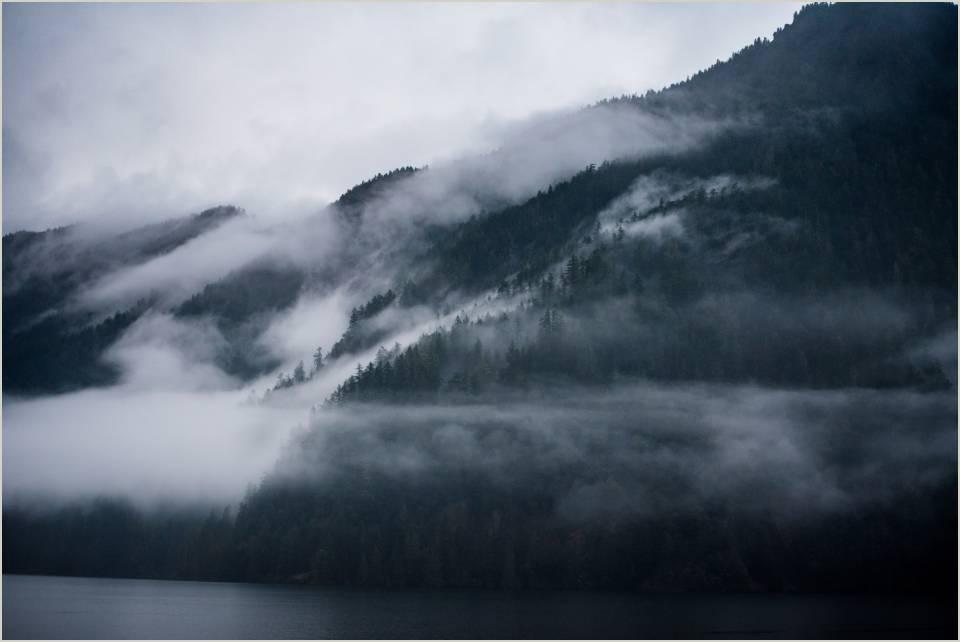 moody clouds at lake crescent 1