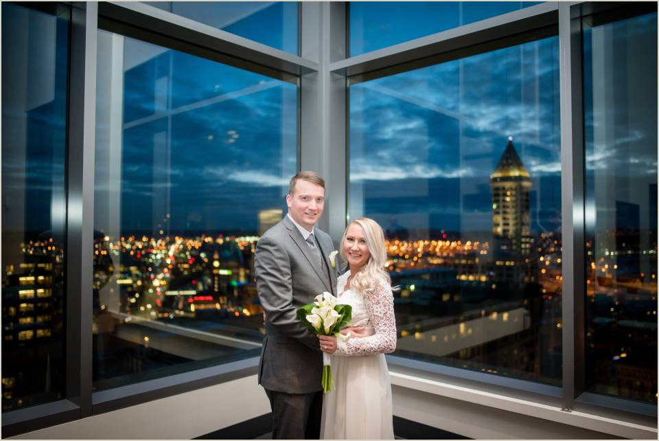 seattle city lights wedding photos