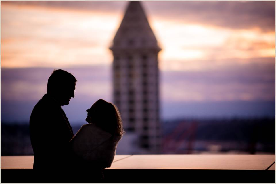 seattle skyline wedding photos sunset silhouette